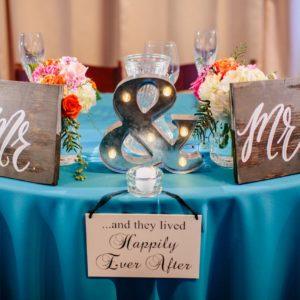Mr. & Mrs. sweetheart table decor